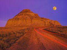 Picture of Castle Butte, Big Muddy Badlands, Saskatchewan, Canada