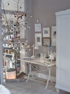 silvers.blues.whites Christmas decor ....and just look at that pantry!