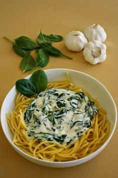 Spenótos tészta Pasta Recipes, Spaghetti, Food Porn, Food And Drink, Yummy Food, Chicken, Ethnic Recipes, Foods, Food Food