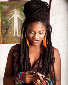 @princesseud || long locks. Women's hair.