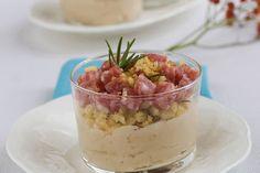 Bicchieri di salame e crema di cannellini