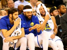 Steph Drops Denver - Oakland, California January 8, 2017 Warriors reached midway point of 2017-18 regular season with 33-8 record and 124-114 home win over visiting Nuggets. #StephenCurry led with 30 points, 9 assists; his sixth 30-point effort in last seven games. #DraymondGreen notched double-double with 23 points,10 assists, while #KlayThompson added 19 points, 5 rebounds.