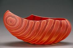 Arc [slide], Ethan Stern, Smithville, Tennessee, 2004. Published in New Glass Review 26, p. 54, no. 84. (via Arc [slide]. | Corning Museum of Glass)