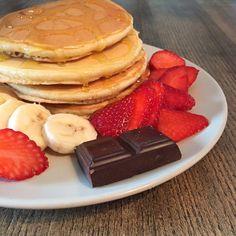 Recette de pancakes moelleux sans matière grasse, recette allégée, gourmande et rapide à réaliser ! Vous allez vous régaler sans culpabiliser...