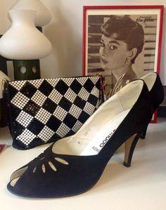 Vintage Schuhe & Strumpfwaren - Vintage Wildleder-Pumps Peep Toes - ein Designerstück von Sannesanne-VintageDinge bei DaWanda