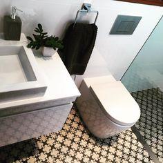 Bathroom by AIT Projects #bathroom #construction #sydney #renovations #interiordesign