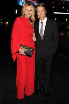 Julia Roberts (with husband Danny Moder) in Valentino Resort 2015 - 2014 Creative Arts Emmy Awards, Los Angeles, August 2014 Julia Roberts And Husband, Emma Roberts, Richard Gere, Solange Knowles, Tommy Mottola, Michael Collins, Jodie Foster, Liam Neeson, Benjamin Bratt