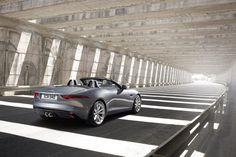 Jaguar F-Type за несколько дней до автосалона в Париже