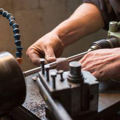 Prepare your tools for the week ahead! Whether you use your hands or mind keep those tools sharp. #Mondays Préparez vos outils pour la semaine ! Que vous utilisiez votre tête ou vos mains aiguisez vos outils.