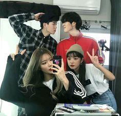 Read 7 from the story Ulzzang bestfriends by Always_Reader (El culo de Jimin) with reads. Sisters Goals, Bff Goals, Best Friend Goals, Ullzang Girls, Ullzang Boys, Best Friend Pictures, Bff Pictures, Friend Photos, Boy And Girl Best Friends