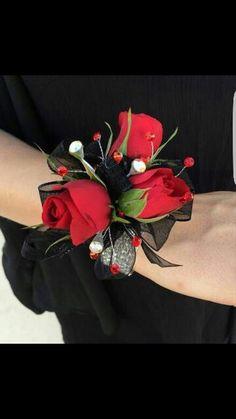 Arya's corsage