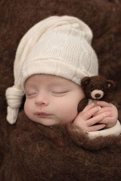 Newborn Photographer | Newborn Photo Ideas | Newborn Photography | Baby Boy Photo Ideas | Pamela Gammon Photography| Portsmouth, Ohio