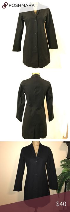 """Banana Republic Trench Coat BR """"Stretch"""" coat with 3 buttons, in perfect condition Banana Republic Jackets & Coats Trench Coats"""