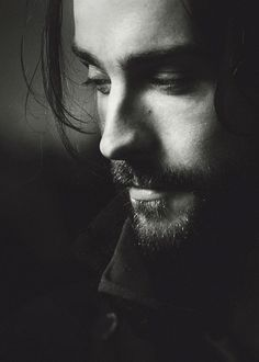 ahremdc:  handsome man, I super love his performance in the series.Sleepy Hollow         Tom Mison