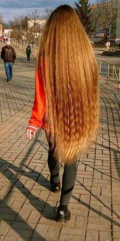 Thick Frizzy Hair, Frizzy Hair Tips, Voluminous Hair, Beauty Tips For Hair, Hair Beauty, Beachy Blonde Hair, Diy Hair Hacks, Split Ends Hair, Long Brunette