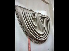 How to make a triple curtain curtain Return to t . No Sew Curtains, Drapes Curtains, Drapery, Curtain Patterns, Curtain Designs, Donut Company, Window Swags, Curtain Styles, Techniques Couture