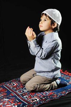 Muslim Images, Islamic Images, Islamic Pictures, Cute Kids, Cute Babies, Islamic Wallpaper Hd, Stylish Little Boys, Moslem, Alhamdulillah