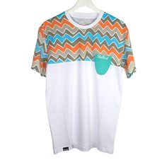 The Roof Potpocket Kilim Tee has a comfortable fit and made of a premium and sturdy cotton and an elastic round neck that offers comfortably and elastically on your skin.  Provides a good looking and a professional touch.