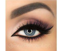 Ten elegancki makijaż idealnie pasuje do niebieskich i szarych oczu. Sprawdź, w jakich kolorach jasne tęczówki prezentują się najlepiej.