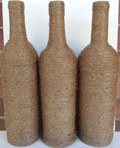 Tres Botellas de vino decoradas con por Daisysgiftsandthings