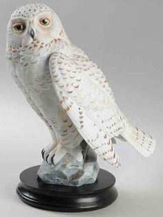 Goebel PORCELAIN BIRD FIGURINES Snowy Owl With Base