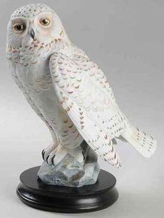 Goebel PORCELAIN BIRD FIGURINES Snowy Owl With Base
