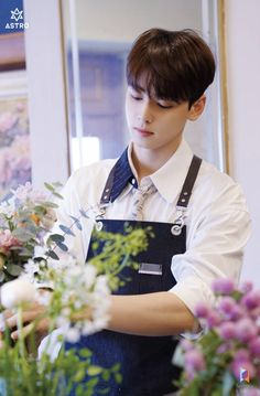 Many people believe that there is a magical formula for home decoration. Cha Eun Woo, Astro First, Cha Eunwoo Astro, Lee Dong Min, Chuu Loona, Sanha, Kpop Guys, Cute Anime Couples, Perfect Man