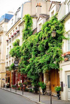 Rue Chanoinesse, Paris