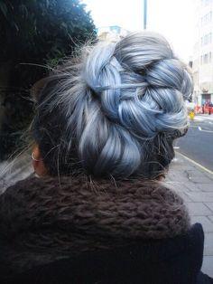 Light blue streaks