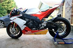 2012 RSV4 - Modified Factory design