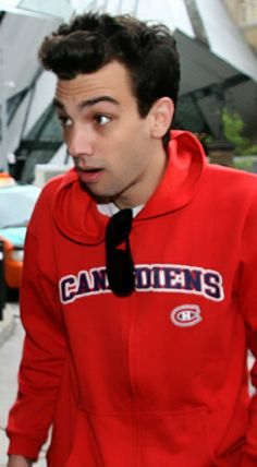 Jay Baruchel is a hockey fan! Jay Baruchel, Jonathan Adams, Cool Hoodies, How To Train Your Dragon, Keanu Reeves, Man Alive, Man Crush, To My Future Husband, Cute Guys