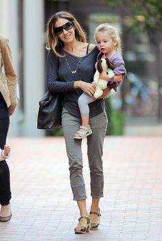 Sarah Jessica Parker - Sarah Jessica Parker & Twins Out In New York