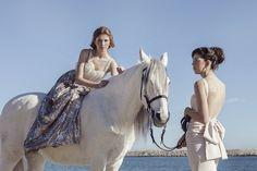 Alba Soler Photography // Sa makeup Style // Silvia Soler boutique // Mermaids // Fashion // Editorial // Sequins // Horse