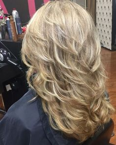 Thankful to the amazingly talented Leigh Tyndale Wooten of Paragon Hair Design i… – Hair Styles Haircuts For Long Hair With Layers, Thin Hair Haircuts, Long Layered Haircuts, Long Hair Cuts, Haircut In Layers, Long Hair Short Layers, Medium Layered Hairstyles, Medium Shag Haircuts, Straight Hair