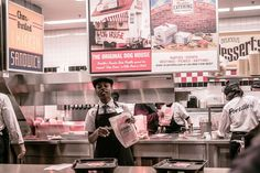 Just one more visit to @portilloshotdogs before hitting the road!      #photography #_soi #photographers #photooftheday #nature #photoshoot #canon #travel #moodygrams #nikon #picoftheday #mypixeldiary #sanfrancisco #landscape #portrait #instagram #instagood #like4like #agameoftones #streetphotography #sf #leica #picture #newyork #travelingram  #traveler #chicago