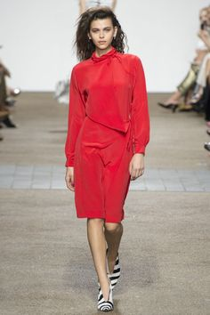 Nice Topshop Unique Spring 2017 Ready-to-Wear Fashion Show - Georgia Fowler... fashion show ss17 Check more at http://fashionie.top/pin/37299/