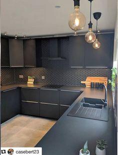 Image may contain: indoor Kitchen Room Design, Home Decor Kitchen, Interior Design Kitchen, Kitchen Furniture, Modern Kitchen Interiors, Contemporary Kitchen Design, Black Kitchens, Home Kitchens, Black Kitchen Cabinets