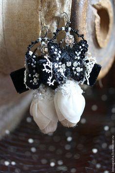 Купить Серьги A15006 - черно-белый, серьги, бабочки, бутоны, вышивка ручная, авторские украшения