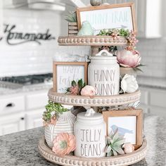 36 Marvelous Mason Jar Crafts You Won't Be Able to Get Enough of . easter decorating 36 Marvelous Mason Jar Crafts You Won't Be Able to Get Enough of . Mason Jars, Mason Jar Crafts, Coffee Jar Crafts, Première Communion, Seasonal Decor, Holiday Decor, Tray Styling, Upcycled Home Decor, Upcycled Furniture