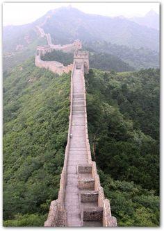 Muralha da China, apesar de não ter muito interesse nesse país me parece um bom lugar pra relaxar.