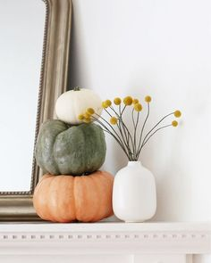 @athomeinlove celebrates fall in style. 🎃 #falldecor #fallinspiration
