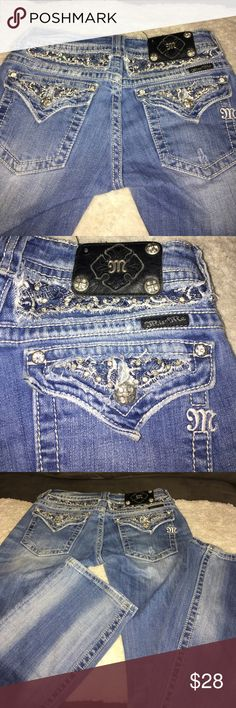 Miss me jeans sz 27 Miss me jeans sz 27 some wear missing button on patch inseam is 31 Miss Me Jeans Boot Cut