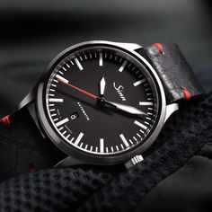 836 - The instrumental watch with Magnetic Field Protection. Field Watches, Fossil Watches, Sport Watches, Men's Watches, Watches For Men Unique, Luxury Watches For Men, Cool Watches, Sinn Watch, Hermes Men