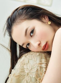 春にトライ!目尻にミントカラーアイシャドウ Cute Japanese Women, Beautiful Japanese Girl, Eyeliner Tape, Fresh Face Makeup, Asian Makeup, Beauty Shots, Real Beauty, Best Photo Poses, Portrait Inspiration
