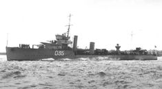 HMS Wrestler joined the 13th Destroyer Flotilla to defend convoys in the early stages of the Battle of the Atlantic. During 1940 she escorted Convoy OG-22F