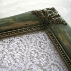Could make vintage picture frames into trays for escort cards too...