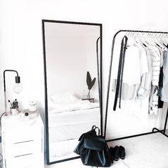 Pinterest: iamtaylorjess | Classy minimalistic bedroom decor