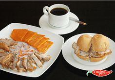 Para empezar el dia se debe comer un buen Desayuno Peruano. Emparedado de  Chicharron de Cerdo con cebolla, tamal y cafe.