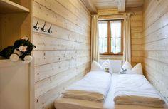Urlaub auf dem Bauernhof Chiemsee Oberbayern, Ferienwohnungen in Ollerding bei Tittmoning, Pool, Kinderspielplatz, Spielzimmer - Bauernhofurlaub buchen