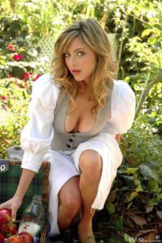 Christina Lakin Bikini Pictures